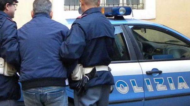 L'albergatore è stato arrestato nella sua casa dagli uomini della Mobile di Pesaro e Rimini