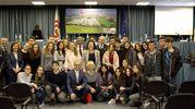 La foto di gruppo degli ospiti della serata, al centro la presidente Lucia Gazzotti (foto Radogna)