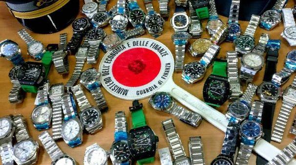 I 78 orologi contraffatti