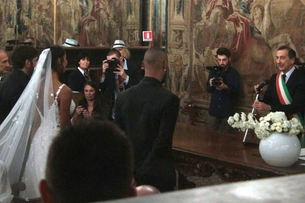 Edoardo Stoppa e Juliana Moreira si sono sposati: matrimonio a Milano