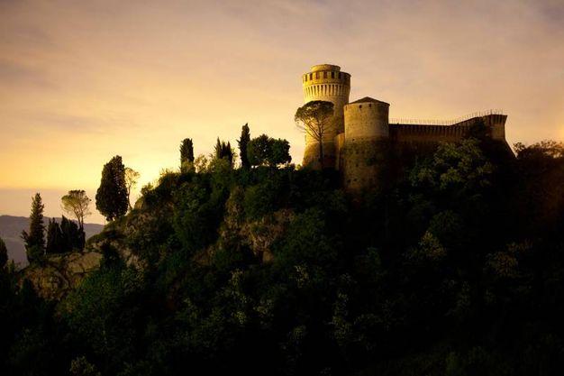 7° classificato Rocca Manfrediana - Brisighella (RA) Rocca dei Veneziani, di Umberto PaganiniPaganelli Motivazione: Una luce pennellata e le linee della natura descrivono questo paesaggio in maniera emozionale