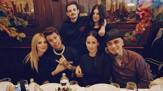 Cena tra amici per Fedez e Chiara Ferragni (Instagram)
