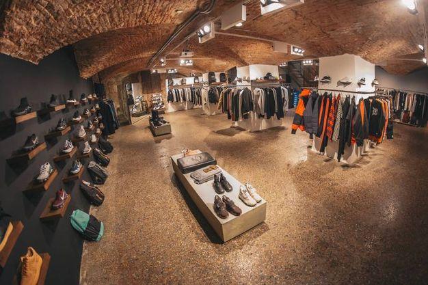 Il negozio di piazza Galileo 3