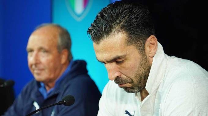 Il ct della Nazionale Gian Piero Ventura e Gianluigi Buffon (LaPresse)