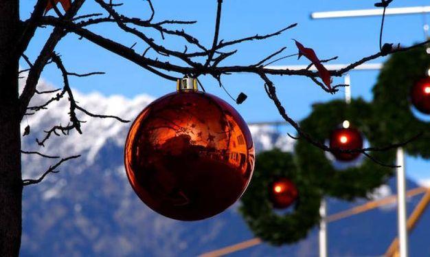 magiche sfere natalizie