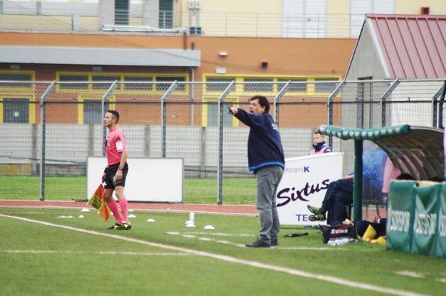 Prato-Arzachena, giocata allo stadio Mannucci di Pontedera (Foto Sarah Esposito Fotocronache Germogli)