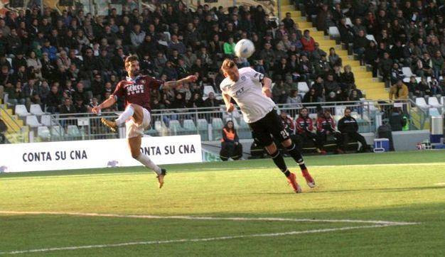 Il gol di Kupisz di testa (foto Ravaglia)