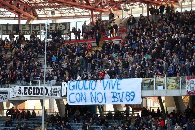 I tifosi del Cesena allo stadio Manuzzi (foto LaPresse)