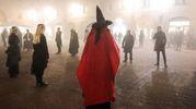Vampiri, streghe e licantropi in una Ferrara stretta nella nebbia (foto Andrea Samaritani)