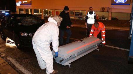 I SOCCORSI Nell'impatto con il veicolo l'uomo è morto sul colpo
