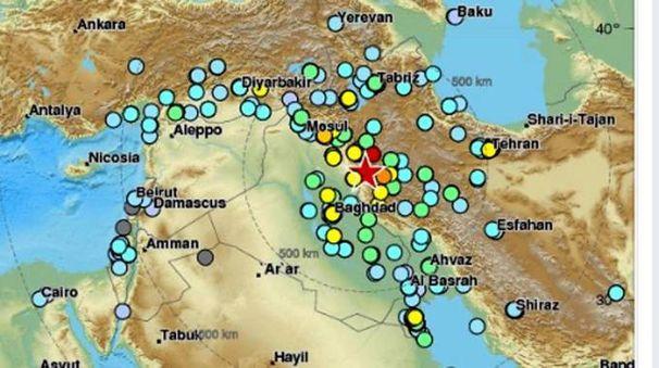 Una mappa che indica il punto del potente sisma di magnitudo 7.2  (Ansa)