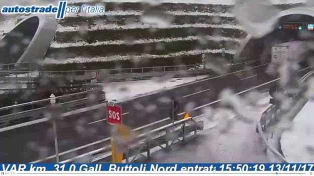 La neve dalla Webcam di Autostrade, sulla Bologna-Firenze, all'altezza di Grizzana