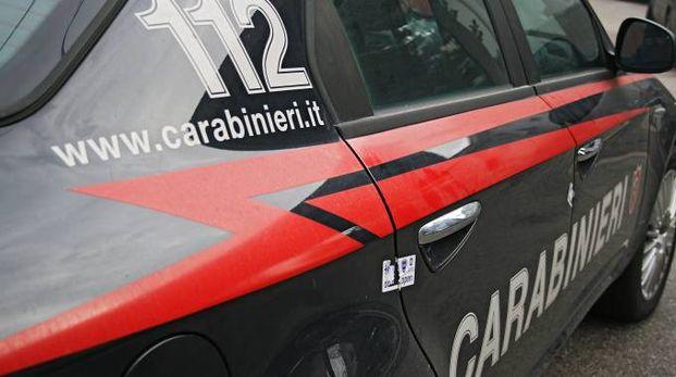 La donna è stata salvata dai carabinieri