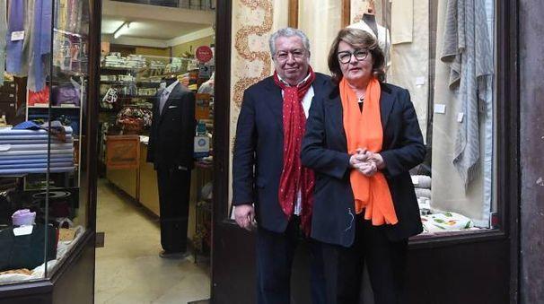 Lo storico negozio Zinelli di via Caprarie compie 80 anni