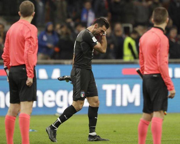 Buffon in lacrime (Ansa)