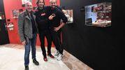 Da sinistra Dino di Neropaco, Marco Evangelisti e l'amico Giorgio Omoboni di OmoArte (fotoSchicchi)