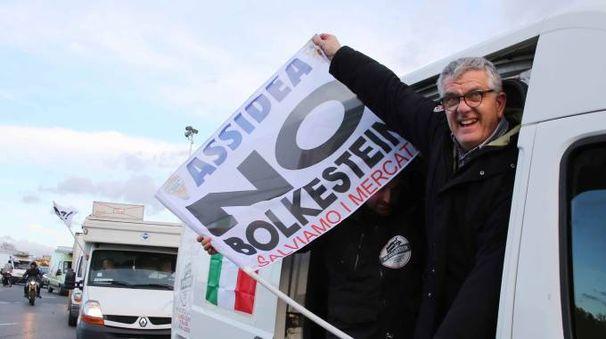 Protesta contro la Bolkestein a Firenze (foto Marco Mori/New Pressphoto)