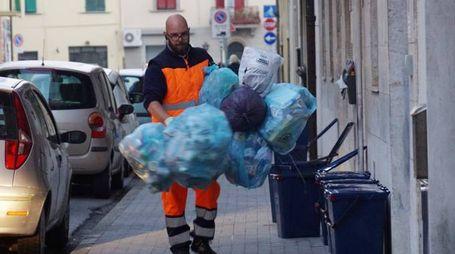 La gestione dei rifiuti nell'area Ato Costa con Livorno, Pisa, Massa Carrara e Lucca scatena una vera guerra