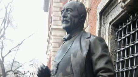 La statua di Ernesto Breda
