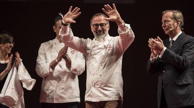 Lo chef Norbert Niederkofler insignito delle 3 stelle Michelin (Ansa)