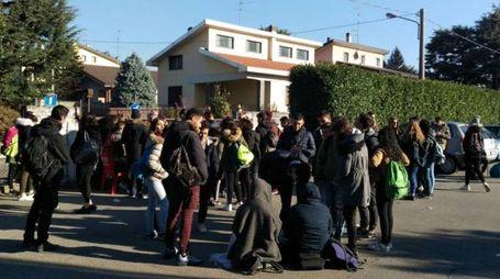 Studenti in protesta per la scuola fredda