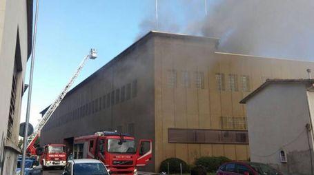 Incendio alla Camera di commercio (foto Attalmi)