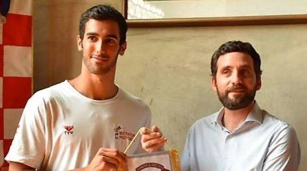 Niccolà Bonacchi col sindaco di Pistoia Alessandro Tomasi