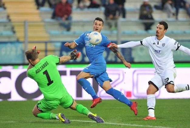 Krunic beffa Agliardi in uscita: 5-1 (foto LaPresse)