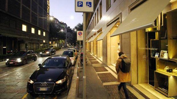 Parcheggio disabili occupato (Newpress)