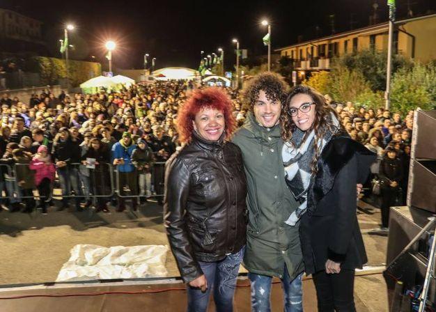 Con la mamma Cristina e la fidanzata Francesca (Fotoprint)