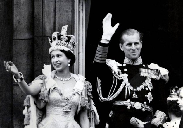 Nel 1953 con la corona (Lapresse)