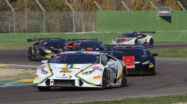 Le auto in gara all'Enzo e Dino Ferrari