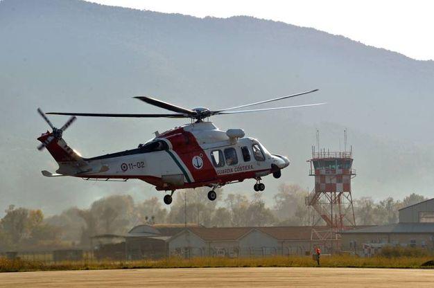 """""""La Nazione"""" in volo con la Prima Sezione di volo elicotteri della Guardia costiera di Sarzana (foto di Luca Castellani)"""