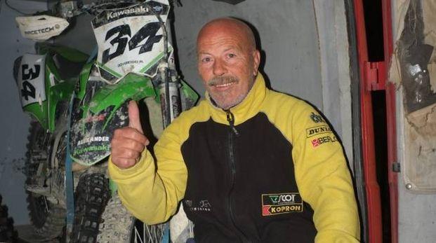 PASSIONE Antonio Dovizioso, 62 anni, appena può si rimette in sella alla moto da cross; domenica era a Borgaro, in Piemonte (Frasca)