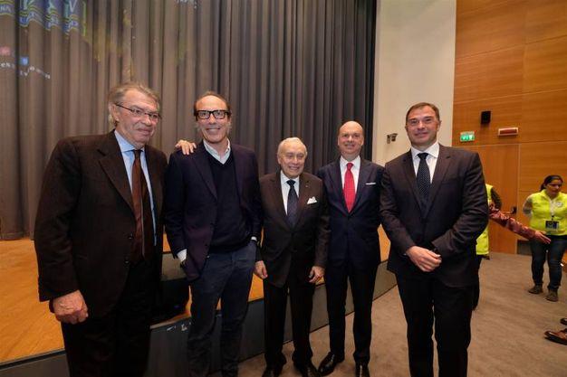 Da sin. Moratti, Guido Meda, il patron del premio Ascani, Fassone e l'ex campione di canottaggio Antonio Rossi