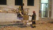 I vigili del fuoco sul luogo del crollo