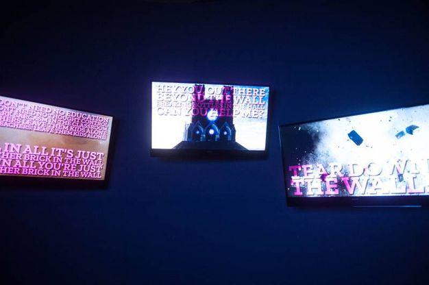 La mostra è un'indagine multimediale sul concetto di muro (Foto Schicchi)