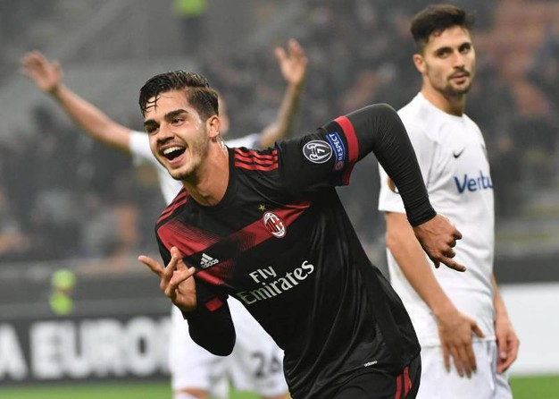 Europa League, Milan-Austria Vienna, esultanza di Silva dopo il gol (foto Ansa)