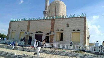Egitto, attentato nella moschea di Arish (Ansa)