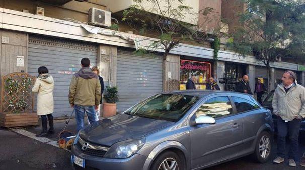 Ostia, la pizzeria dell'agguato in via delle Canarie (Lapresse)