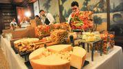 Il catering della pasticceria Antoniazzi  (foto Schicchi)