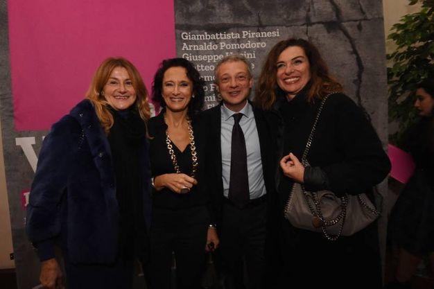 Alessandro Bonfiglioli con la moglie e Gabriella Castelli (foto Schicchi)