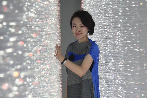 Hitomi Sato e la sua installazione luminosa Sense of Field (foto Schicchi)