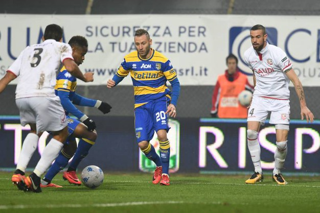 Un momento di Carpi-Parma (foto LaPresse)