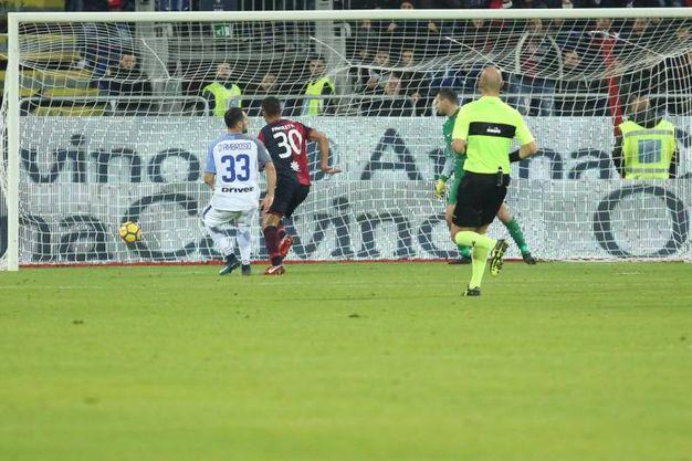 Il gol di Pavoletti (Ansa)