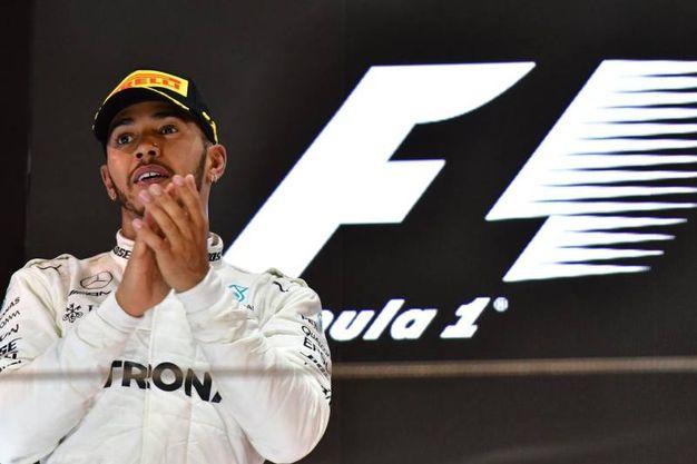 L'applauso di Hamilton (Afp)