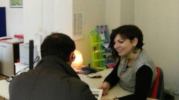 Operatrice al Job Pesaro a colloquio con un utente