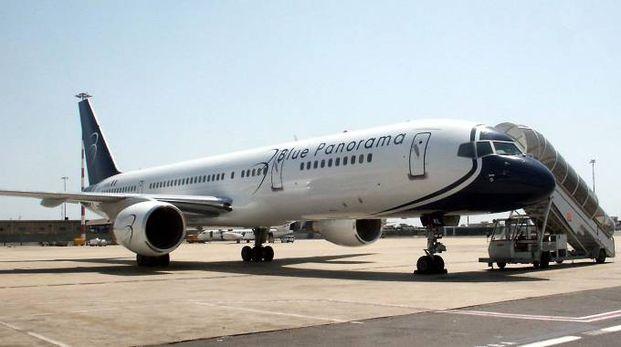 Un aereo della Blue Panorama (Foto Ansa)