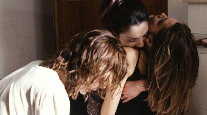 DRAMMA Una foto  di scena del film tv sull'anoressia 'Briciole'