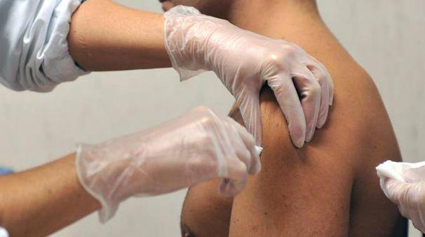 Vaccino (foto Ansa)